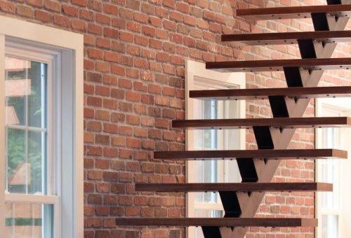 Лестница в стиле лофт: зачем, как и куда поставить?